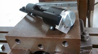 fixture for pinning lug